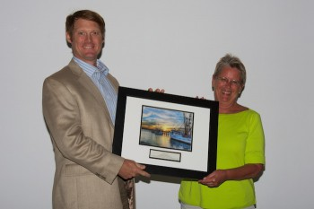 Bob High accepting the award from federation's Development and Marketing Director, Sally Steele.