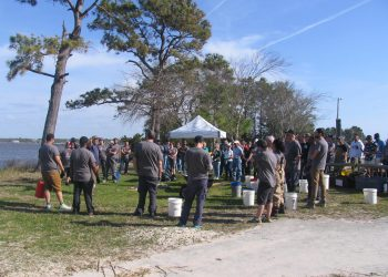 100 volunteers cleanup Carolina Beach State Park | North
